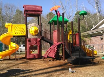 Mobile playground equipment