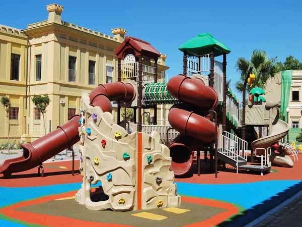 playground equipment installation services