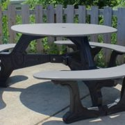 bodega-round-recycled-plastic-picnic-table (1)