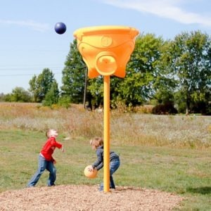 triple-toss-hoop-game-playground (4)