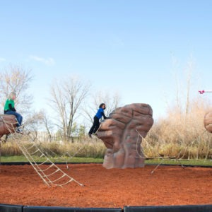 casacade-range-playground-climbing-boulder-with-nets (3)
