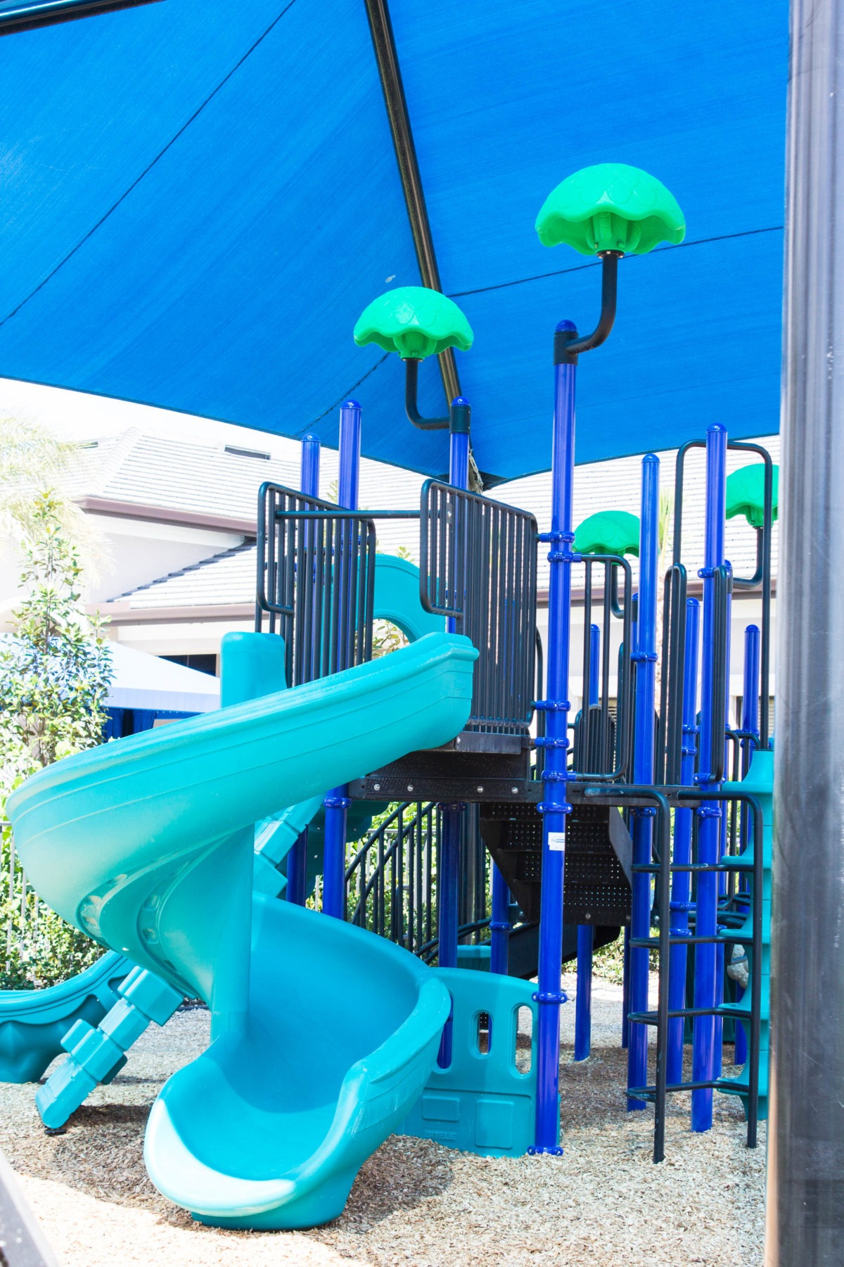 fort-myers-hoa-community-clubhouse-playground-equipment (1)