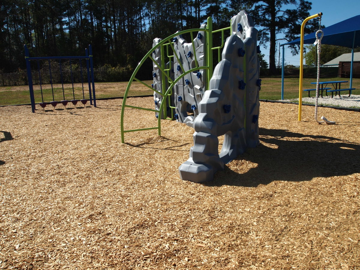 tallahassee elementary school playground with shade covering 25