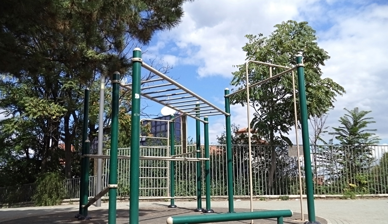 outdoor fitness and exercise equipment 5